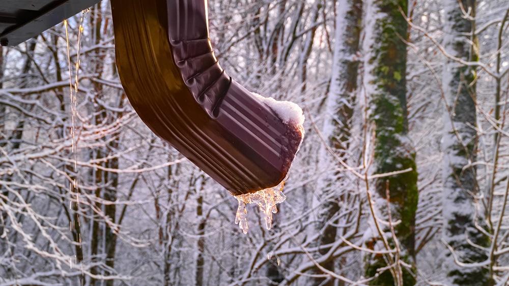 icy-gutters-winterization